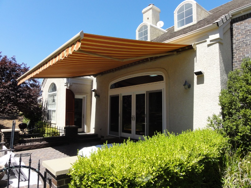 Manual Motorized Retractable Awnings