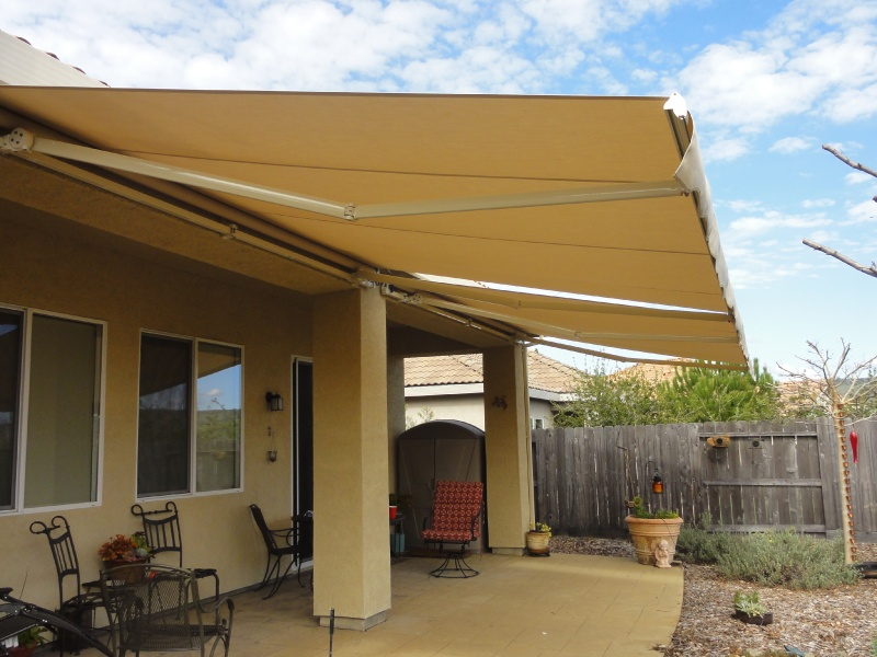 Beau Plain Retractable Awnings. Motorized Retractable Awnings
